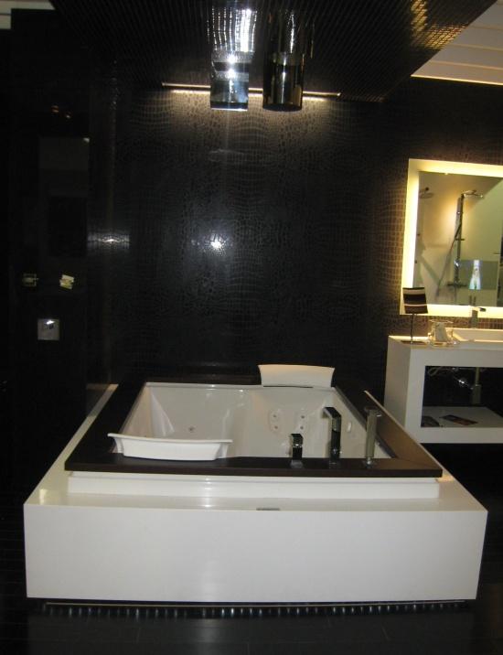 Top interior designers explore the latest bathroom trends for Latest bathroom interior