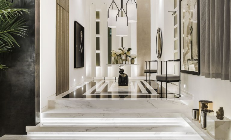 Kelly_Hoppen-Couture-Entrance