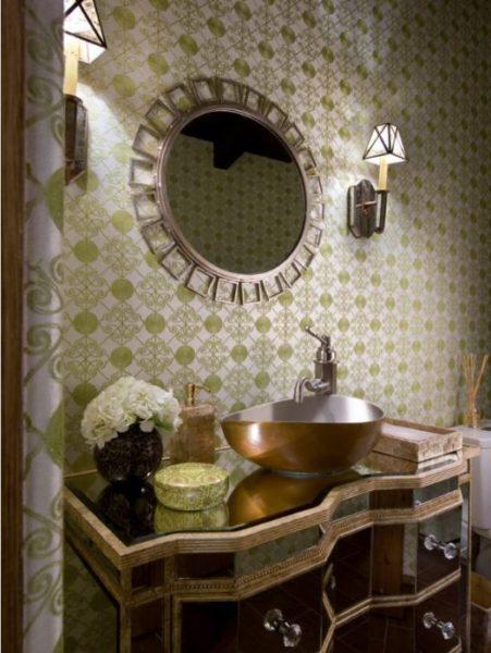lori-dennis-soy-candles-in-bathroom