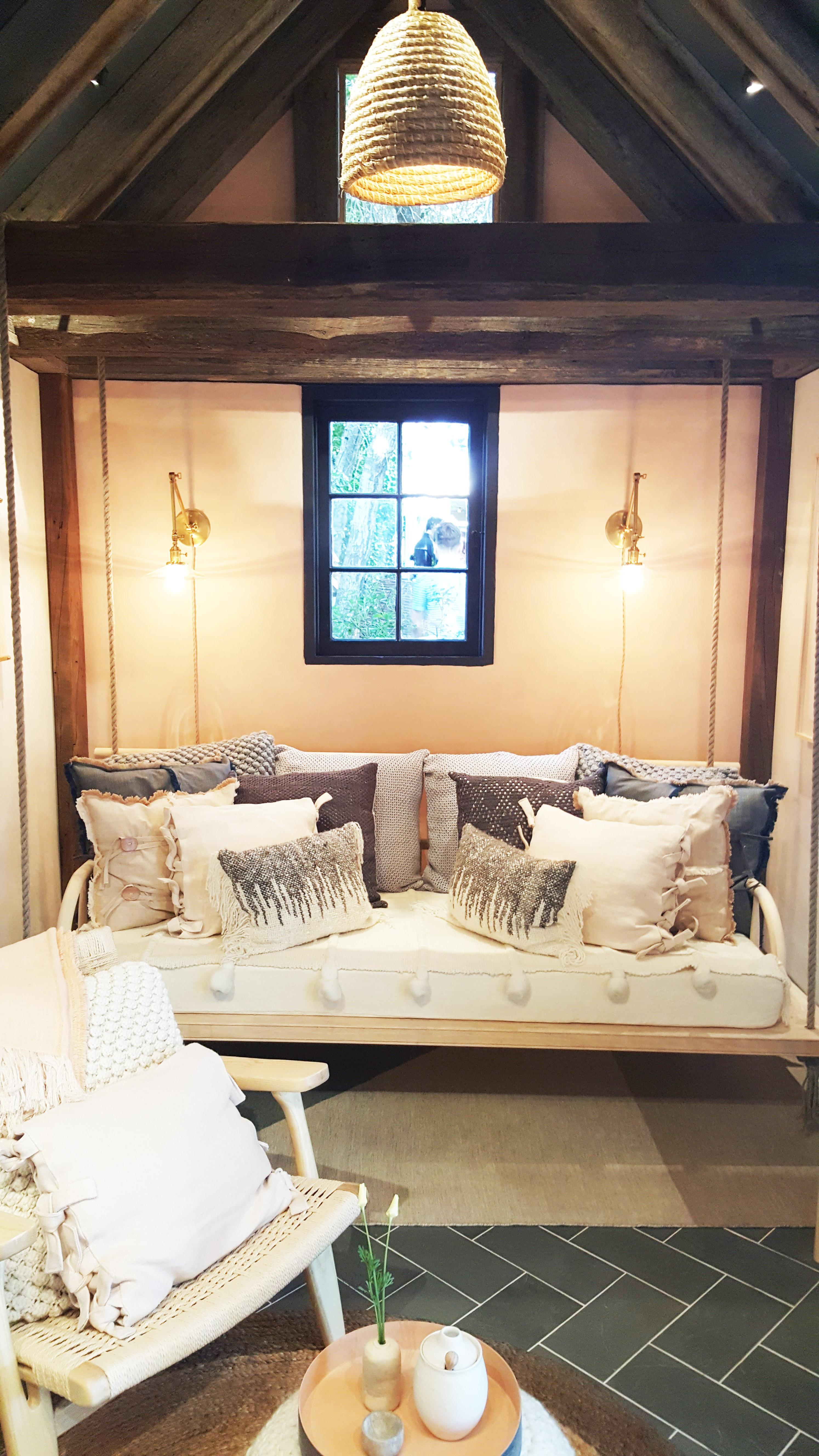 A Glimpse into the Pasadena Showcase House 2017 - LORI DENNIS