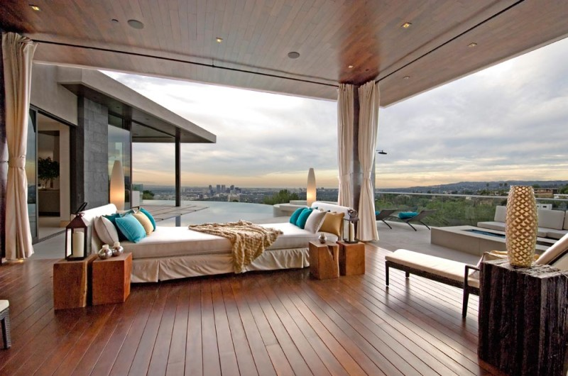 Home Decor to Turn Up The Romance in Your Master Bedroom