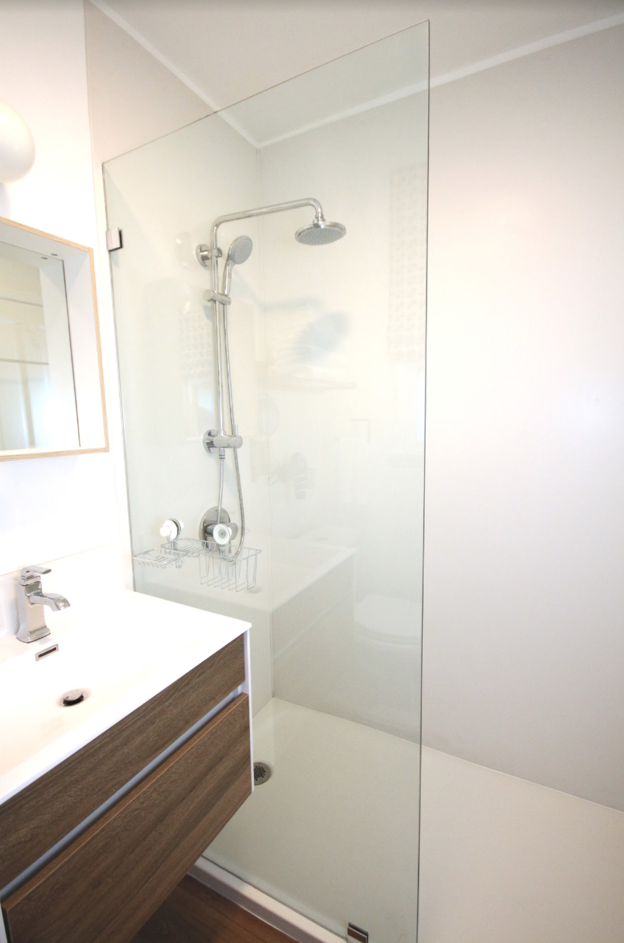Shower in Los Angeles Vacation Rental