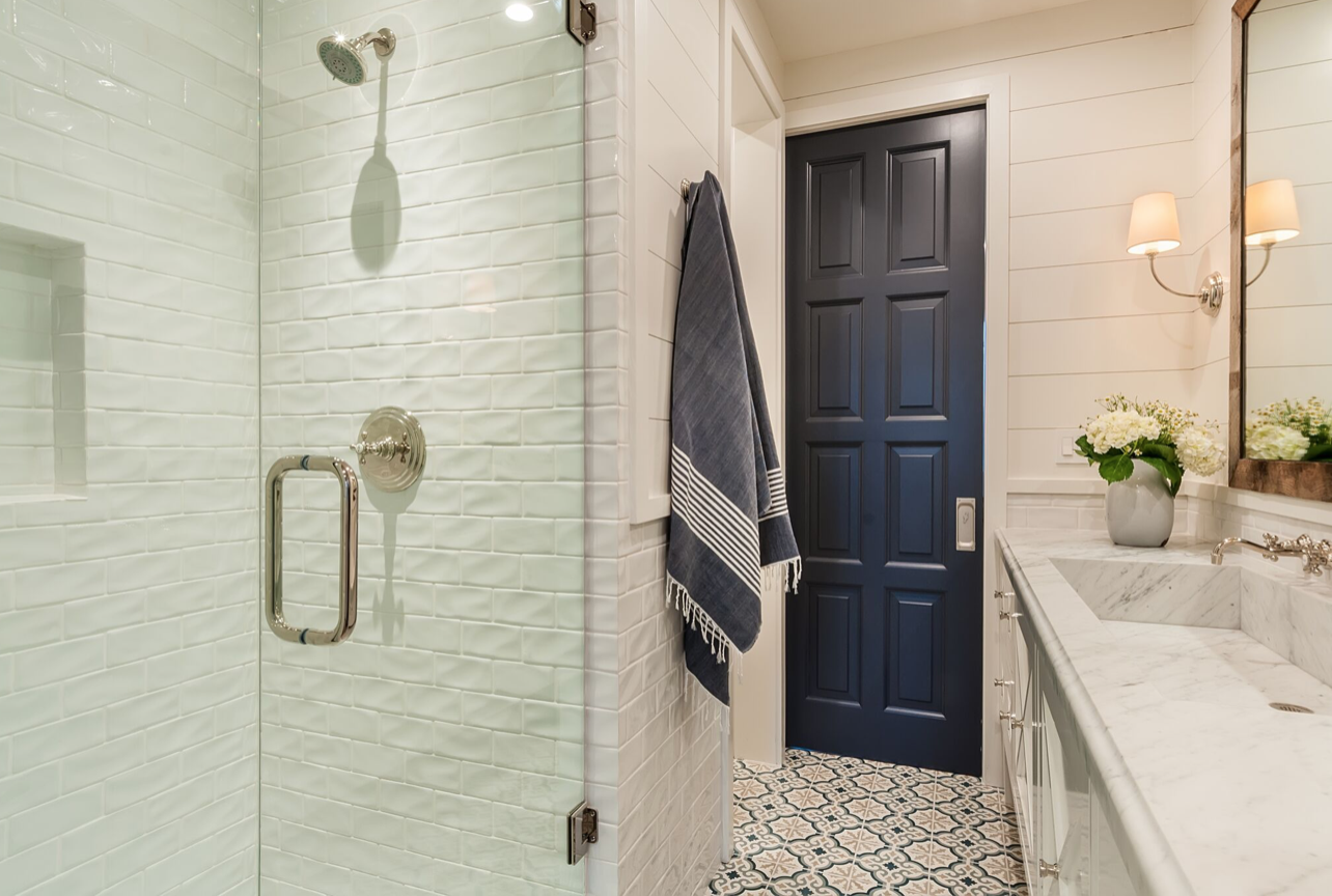 Get The Look Coastal Farmhouse Bathroom Lori Dennis