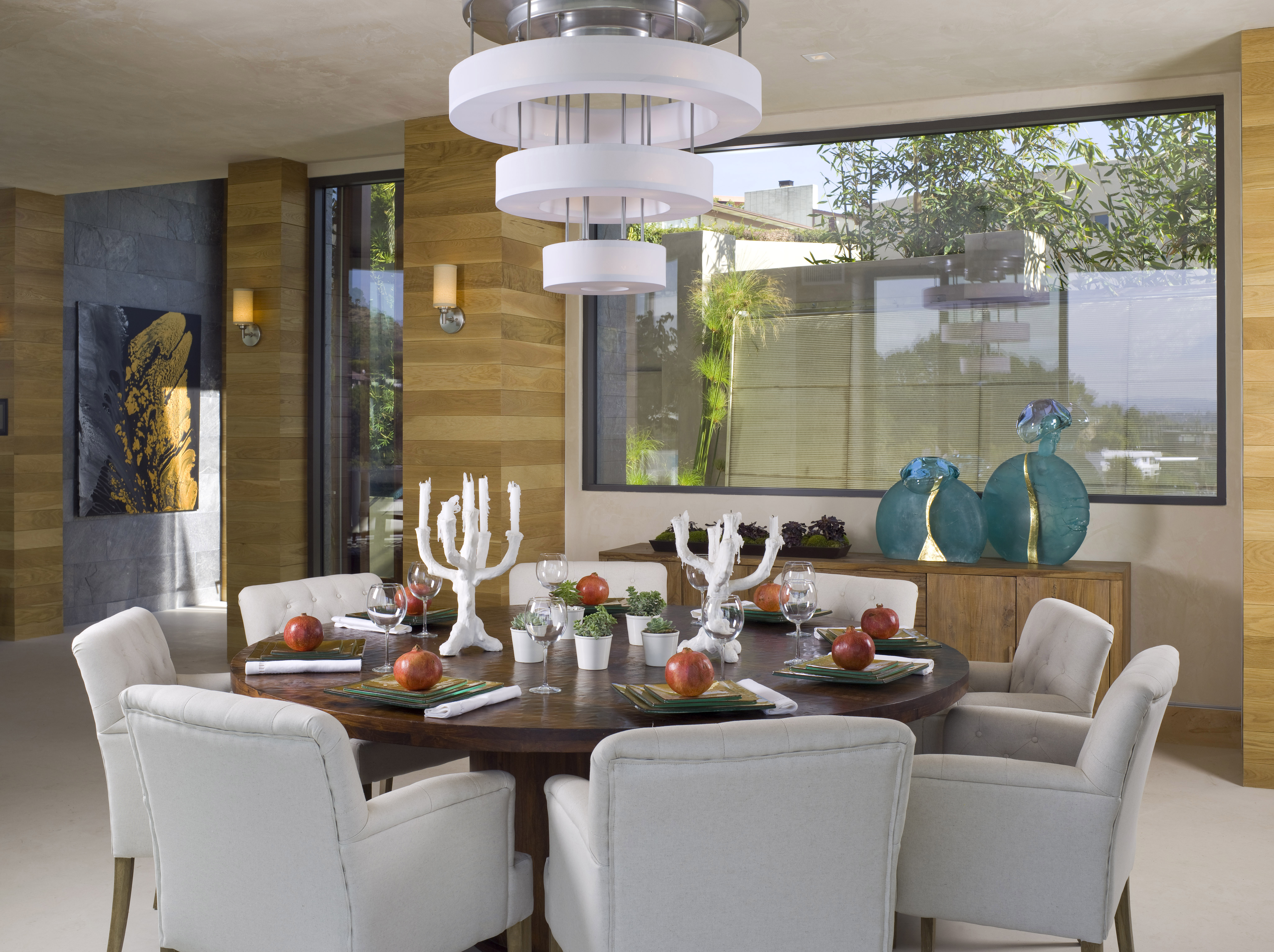 Modern Dining Room in Hollywood Hills