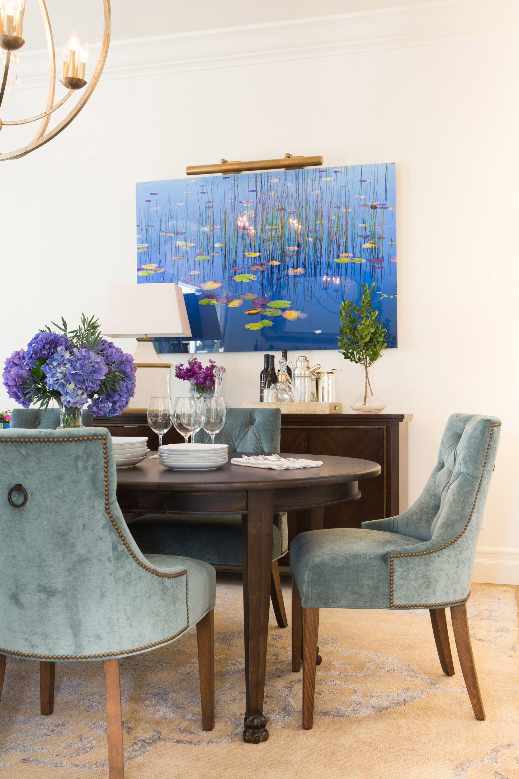 Blue Modern Dining Room Design Idea