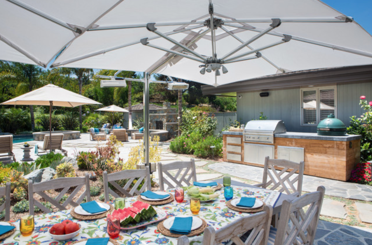 Dining Al Fresco in Lemon Ranch Home