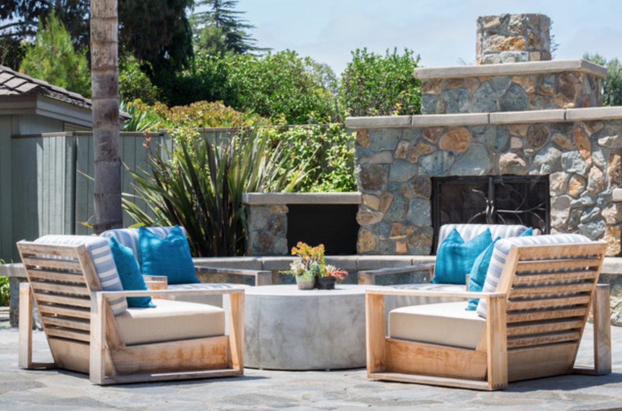 Build an Outdoor Living Room Around a Firepit or Fireplace