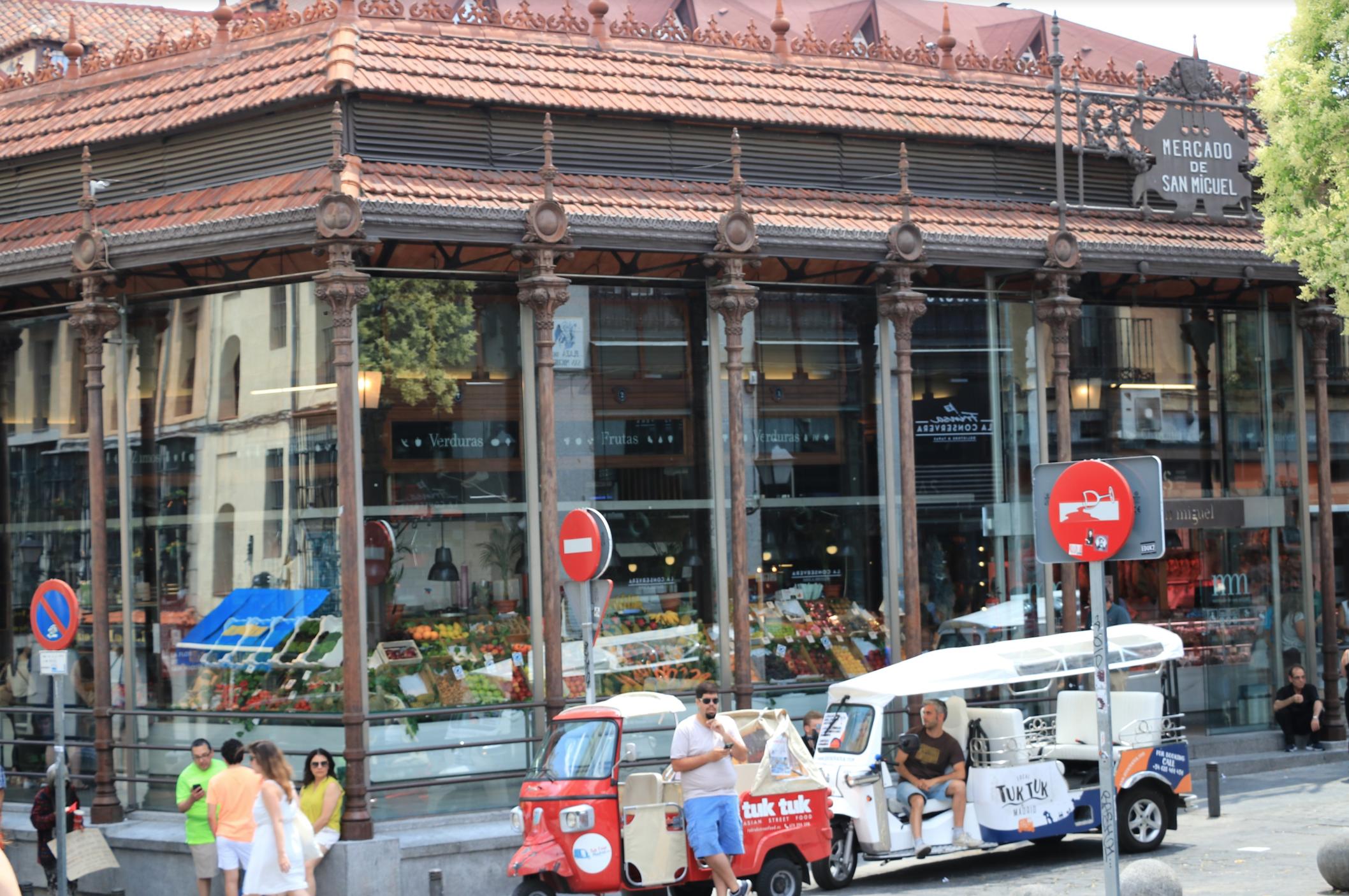 outside mercado de san miguel in Madrid