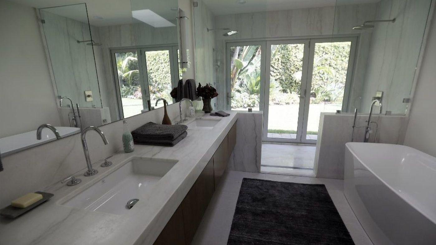 sunset idea house modern indoor outdoor bathroom