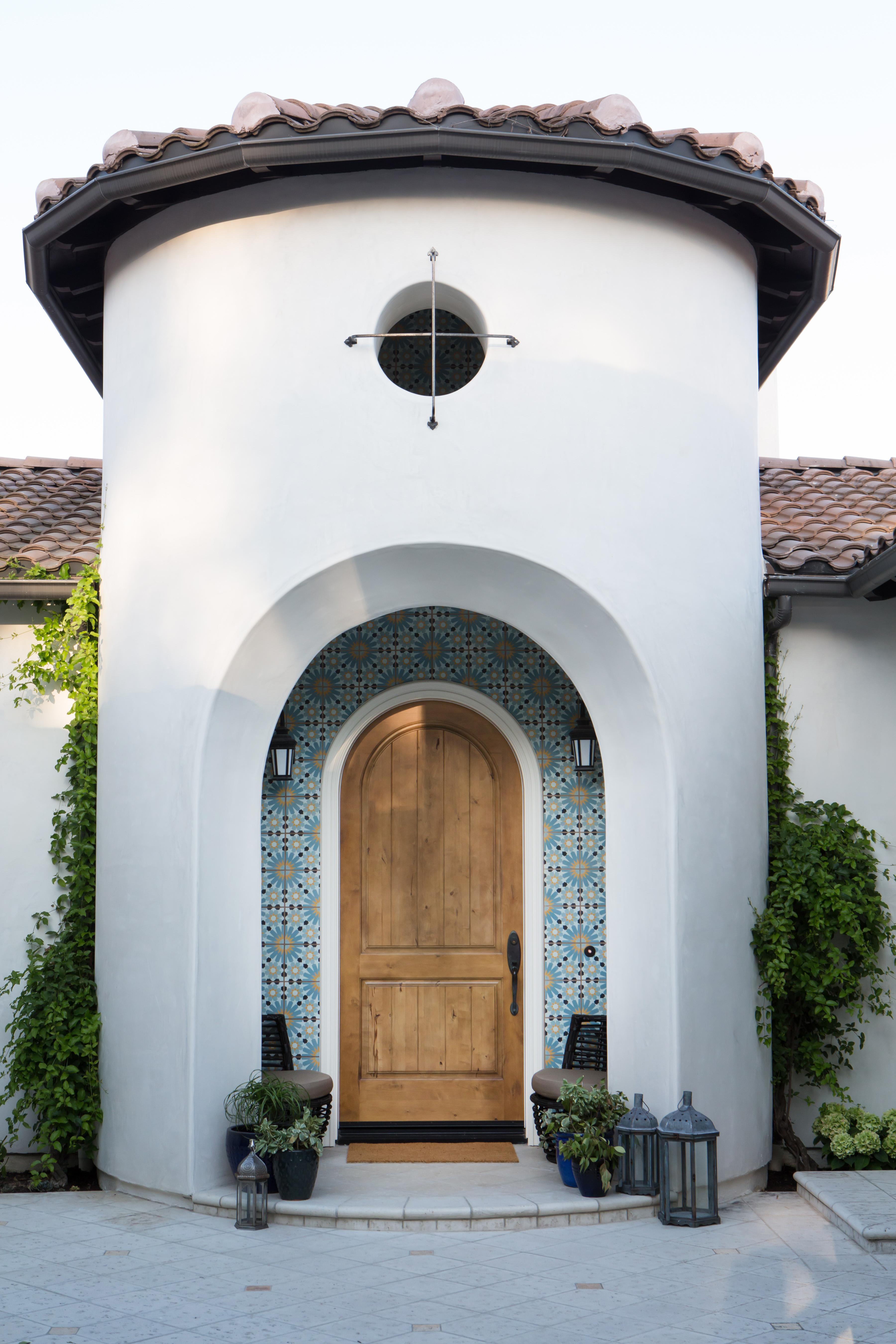 Spanish home entryway by celebrity interior designer Lori Dennis